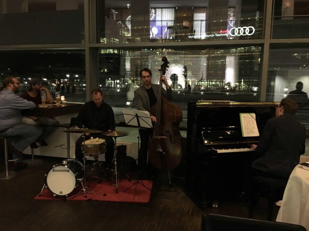 Jazz-Piano Trio Triority - After Work Jazz Lounge - Audi